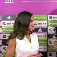 Doña Letizia elige un look en blanco y negro para la final de la Copa de la Reina de fútbol femenino