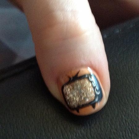 zooey deschanel nail art