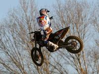 Jonathan Barragán arranca muy fuerte en el Supercross de Mantova