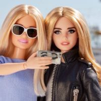 Hay una nueva influencer en las redes sociales: Barbie (sí, la muñeca)