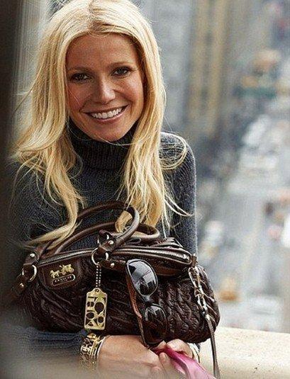 Gwyneth Paltrow, otra que se pone a publicitar bolsos