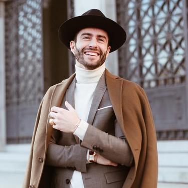 Pelayo Díaz le suma un toque boho a la Fashion Week con un accesorio infalible: el sombrero de ala ancha