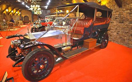 Visitamos una de las colecciones más grandes del mundo de coches Rolls-Royce. ¡Y puedes verla a un paso de Bilbao!