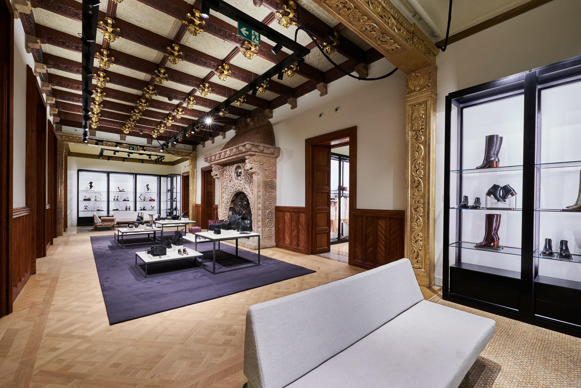Foto de Massimo Dutti Barcelona boutique (17/19)