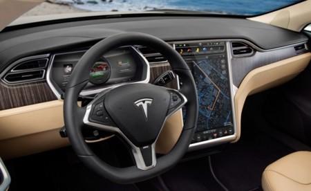 Tesla Model S salpicadero y consola central táctil