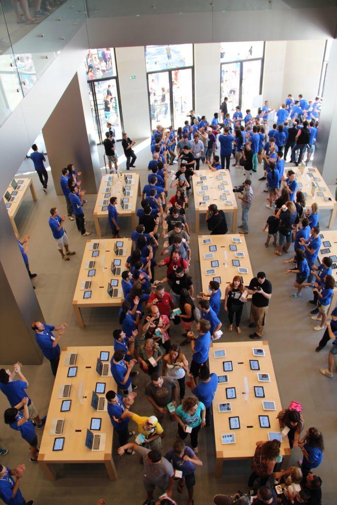 Foto de Inauguración de la Apple Store del paseo de Gracia (22/27)