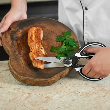 Utensilios de cocina. Cómo usar las tijeras para facilitar tus recetas