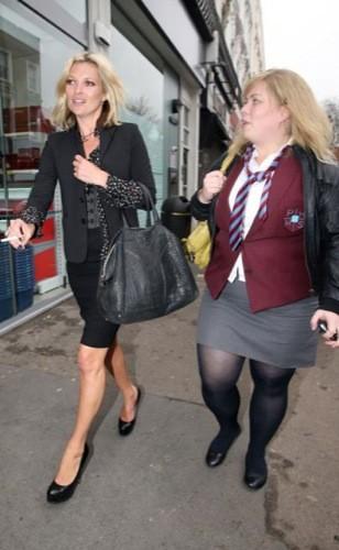 El look más serio de Kate Moss