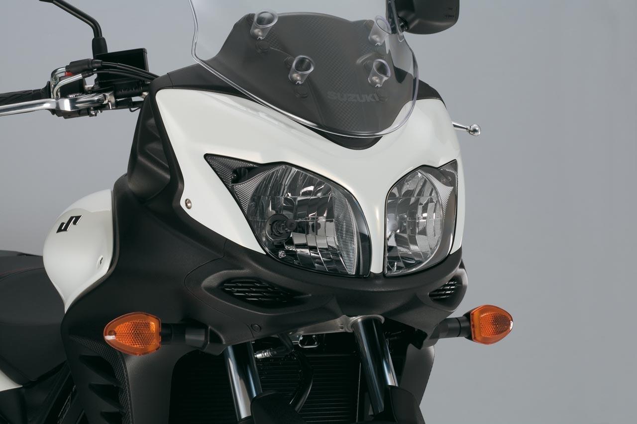 Foto de Suzuki V-Strom 650 2012, fotos de detalles y estudio (21/50)