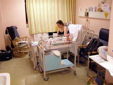 Unos padres realizan un informe detallado explicando lo que su hospital debería mejorar