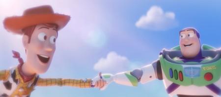 Toy Story 4  Woody y Buzz vuelven con todo y nostalgia en el primer teaser  de la icónica franquicia de Pixar a5aaa0ee4f0