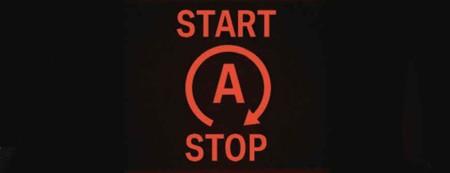 ¿Cómo decide el 'stop-start' cuándo parar el motor del coche?