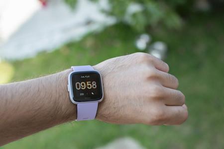 Fitbit Versa Lite En Uso