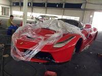 Se venden Ferrari LaFerrari y Pagani Zonda R económicos