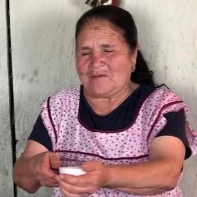 Está es la receta económica de Doña Ángela, la youtuber mexicana, para esta cuesta de enero que está rompiendo el internet