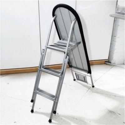 Objetos para minipisos: Escalera-tabla de planchar