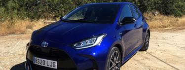 Probamos el nuevo Toyota Yaris: un utilitario bien equipado que ya sólo puede ser híbrido