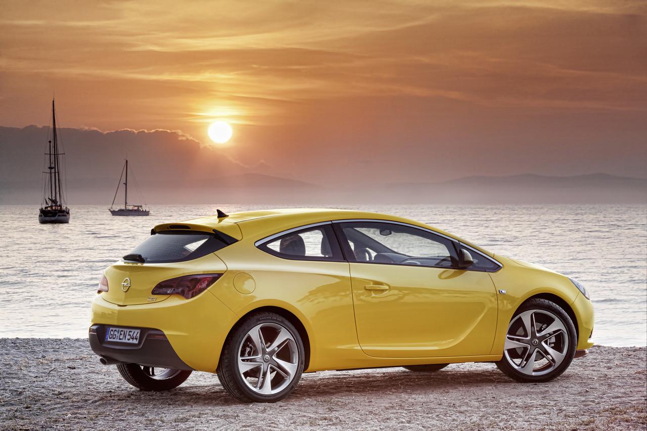 Foto de Opel Astra GTC (27/90)
