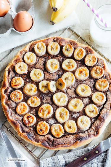 Cómo hacer una sencilla tarta de chocolate y plátanos