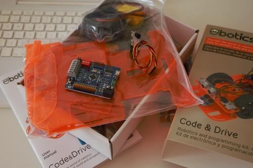 Code&Drive Ebotics Kit, análisis: robótica y programación basada en Arduino que juega la baza del precio