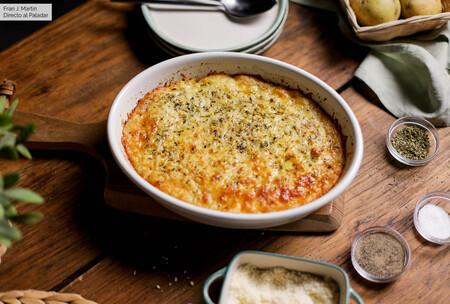 Pastel de patata y queso, receta fácil con que solucionar un primer plato al gusto de todos