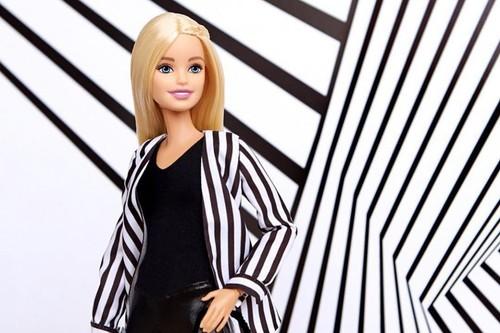 Las fans de Barbie preparamos la tarjeta con la nueva colección cápsula de Sephora de maquillaje y tratamiento