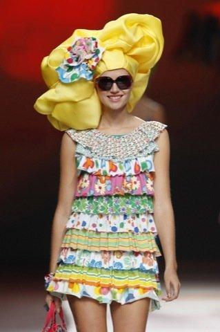 Agatha Ruiz de la Prada Primavera-Verano 2011 volantes