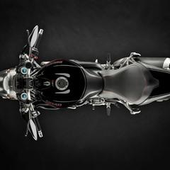 Foto 4 de 68 de la galería ducati-monster-1200-s-2020-color-negro en Motorpasion Moto