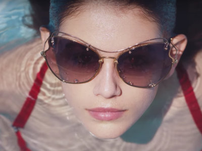 Kaia Gerber da el paso definitivo para convertirse en una it girl: un fashion film con Miu Miu