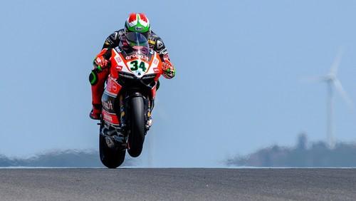 Superbikes Portugal 2015: Davide Giugliano y Jules Cluzel poles en territorio luso