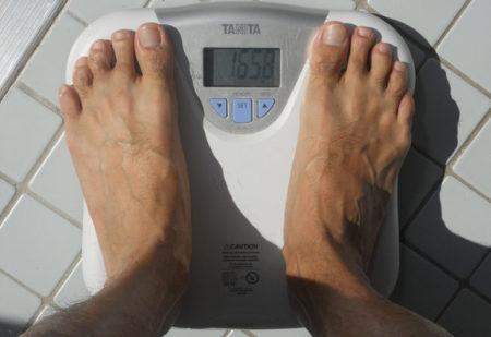 Los riesgos de tener bajo peso