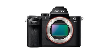 Toda una full frame sin espejo como la Sony Alpha 7 Mark II, ahora en Amazon cuesta sólo 839 euros con 200 de rebaja