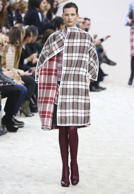 """¿Le ha salido rentable a Céline utilizar el mantel para """"construir"""" su colección?"""