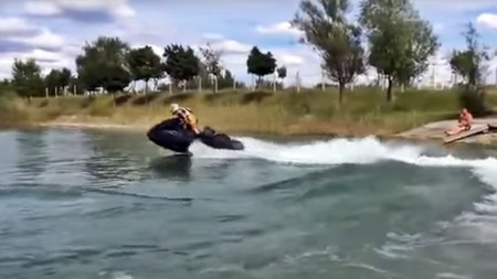 ¡Brutal! Esta moto de agua con motor de 1.300 cc de una Suzuki Hayabusa tiene un comportamiento irreal