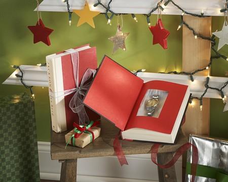Una caja de regalos DIY hecha con un viejo libro