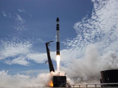 Rocket Lab envía su primer cohete al espacio: pequeño, eléctrico y con motor fabricado con una impresora 3D