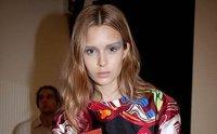 Balenciaga apuesta por un antifaz de color pálido para su primavera - verano 2012