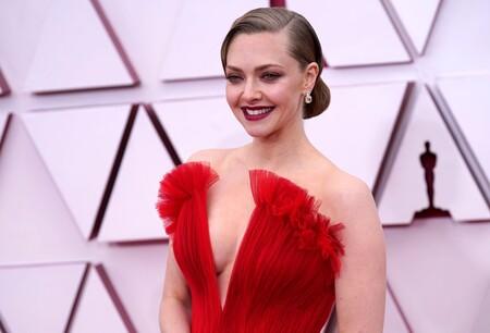 Amanda Seyfried impacta en los Oscar 2021 con este espectacular vestidazo rojo