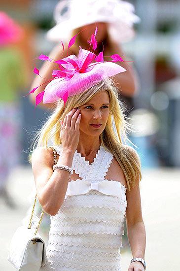 Foto de Ascot 2008: imágenes de sombreros, tocados y pamelas (1/20)