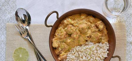 Tofu ahumado con salsa de mango: receta vegana saludable
