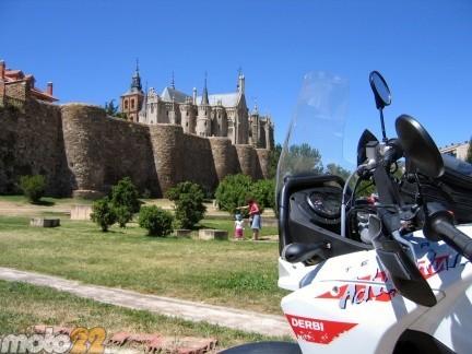 Las vacaciones de Moto 22, Frómista-Santiago de Compostela