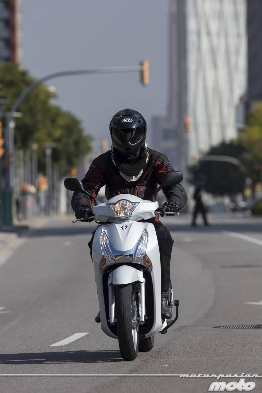 Foto de Honda Scoopy SH125i 2013, prueba (valoración, galería y ficha técnica)  - Fotos acción (8/19)