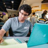 Empezó con los cursos online del MIT a los 5 años: a los 15 ha sido aceptado como alumno allí