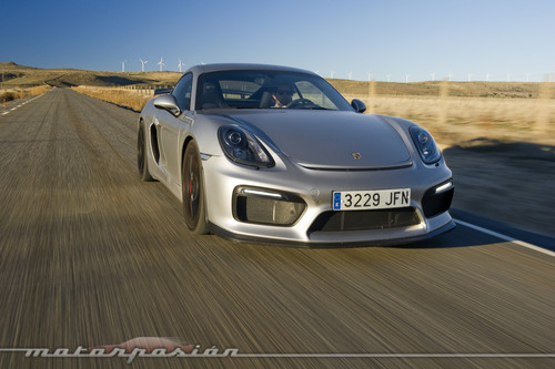 Probamos el Porsche Cayman GT4. ¿De verdad me vais a hacer elegir entre este y el 911 GT3?