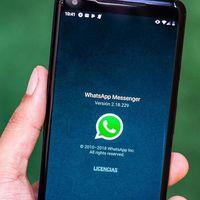 WhatsApp ya permite compartir sus estados con Facebook, así se ve la convergencia de las redes sociales