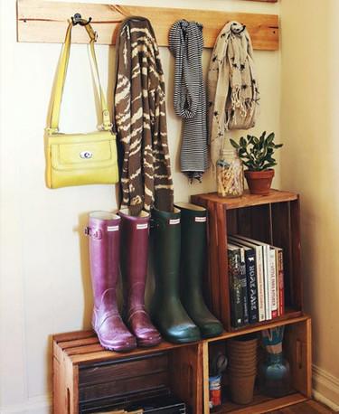 Un recibidor con materiales reciclados para tu casa