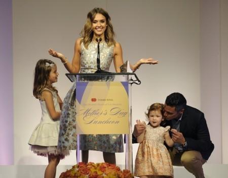 Jessica Alba es la madre del año, pero podría haberlo sido Miranda Kerr