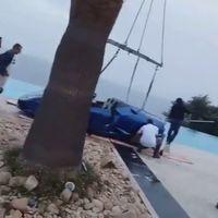 Motivos para no conducir con tacones: puedes terminar ahogando un Lamborghini ajeno en una alberca