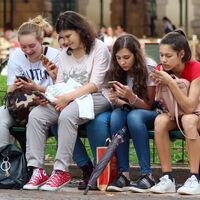 Apple, contra la pornografía infantil: escaneará las imágenes del iPhone y el iPad para identificar material sexual con niños