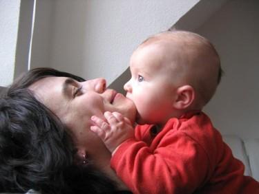 Cada vez nacen más bebés de madres solteras